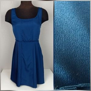LC Lauren Conrad pleated dress size 6
